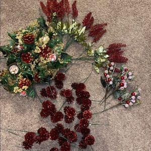 Gold/burgundy glitter stems And greenery 42 pieces
